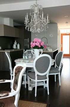 The Cross Decor & Design - dining rooms - black and white dining chairs, striped dining chairs, black and white striped dining chairs, round. Küchen Design, House Design, Interior Design, Modern Interior, Design Ideas, Striped Dining Chairs, White Chairs, Pedestal Dining Table, Round Dining