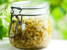 Helppo kesäkurpitsapikkelsi No Salt Recipes, Preserves, Pickles, Cucumber, Food And Drink, Canning, Drinks, Koti, Jar