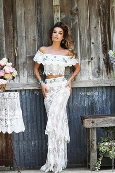 Get the boho look for prom in this bohemian style 2 pc gown from Sherri Hill - 2015 Prom Dresses Hippie Stil, Mode Hippie, Estilo Hippie, Modern Hippie Style, Gypsy Style, Bohemian Style, Bohemian Fashion, Ibiza Style, Bohemian Jewelry