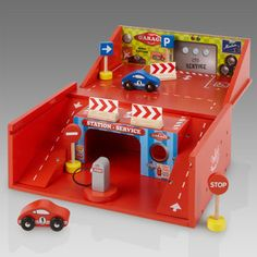 Lacquered Wooden Car Garage in a Box toys | Little Citizens Boutique