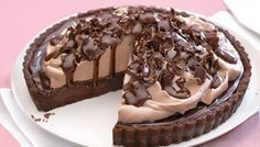Experience pure choc indulgence with this rich fudge-filled, cookie-based dessert. Chocolate Curls, Chocolate Coffee, Pie Tops, Sweet Tarts, Mud Pie, Flan, Tray Bakes, Fudge, Dishes