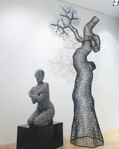 Seo Young Deok & Lee Gil Rae's sculpture artwork spotted at Opera Gallery Singapore ! Sculpture Art, Sculptures, Art School, Singapore, Seo, Opera, Gallery, Amazing, Artwork