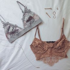 Pretty little things ✨✨ #forloveandlemons #downtoyourSKIVVIES