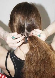 """Encuentra M�s informaci�n sobre """"Cómo hacer un Peinado Fácil y Bonito en Minutos"""" ingresa en: http://tipsdemedicina.com/como-hacer-un-peinado-facil-y-bonito-en-minutos/"""