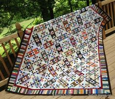 Dancing Nines as shown in Bonnie Hunter's blog: What about in solids (Amish-style?)