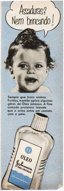 Propaganda do óleo Johnson para bebês nos anos 50  combate às assaduras.  Comerciais Antigos c3d94bdd375
