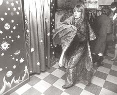 jenny boyd working in apple boutique 60s And 70s Fashion, Vintage Fashion, Vintage Style, Chrissie Shrimpton, Mick Fleetwood, Pattie Boyd, Chelsea Girls, Nostalgic Images, Beatles Art