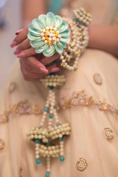 Looking for Floral necklace? Browse of latest bridal photos, lehenga & jewelry designs, decor ideas, etc. on WedMeGood Gallery. Flower Jewellery For Mehndi, Silver Jewellery Indian, Indian Wedding Jewelry, Bridal Jewelry, Flower Jewelry, Silver Jewelry, Pearl Jewelry, Silver Ring, Indian Weddings