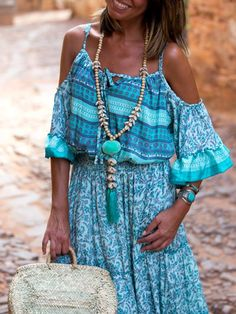 What better than Boho chic outfits can you opt for to make you look sensuous without spending much? Summer Clothes Sale, Cheap Summer Dresses, Summer Dresses For Women, Turquoise Clothes, Turquoise Dress, Turquoise Jewelry, Boho Chique, Gypsy, Look Boho