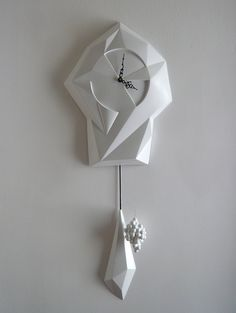 Lovely modern cuckoo clock CuCoo Clock Design by Stefan Hepner Modern Cuckoo Clocks, Pendulum Clock, Cool Clocks, 3d Prints, Time Clock, Decoration, Industrial Design, Modern Design, Design Design