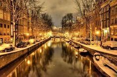 #Amsterdam en invierno también es increible, prepara tu #viaje con nuestra #guia http://www.viajaraamsterdam.com/ lo tienes todo para hacer #turismo y #disfrutar la ciudad