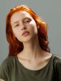 Beautiful Red Hair, Beautiful Redhead, Fotografie Portraits, Natural Red Hair, Tumbrl Girls, Face Photography, Model Face, Redhead Girl, Foto Art