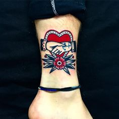 Heart tattoo by Dani Queipo