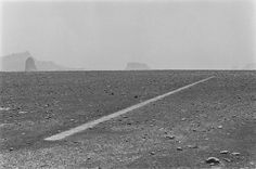 Richard Long, Dusty Boots Line, The Sahara, 1988