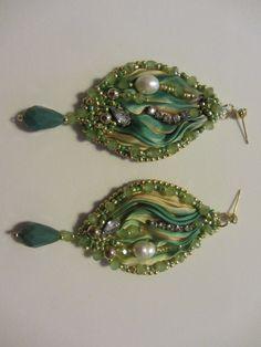 Silk shibori earrings in gorgeous shades of green por elesoutache