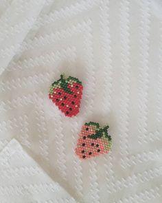Fresa Chaquira Brick Stitch