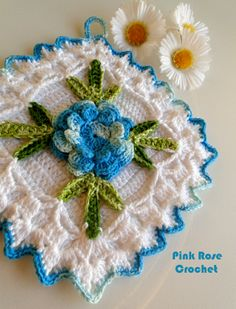\ PINK ROSE CROCHET /: Pega Panelas Quadradinho com Flor Rosa Azul em Crochê