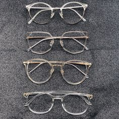 Frost yourself in this season with our chic style. Glasses For Oval Faces, Glasses Frames Trendy, Glasses Trends, Fashion Eye Glasses, Trending Sunglasses, Accesorios Casual, Sunglass Frames, Eyeglasses, Frost