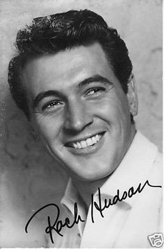Rock Hudson, Fb Page, Black And White Pictures, Old Hollywood, Classic Hollywood, The Rock, Golden Age, Actors & Actresses, Handsome