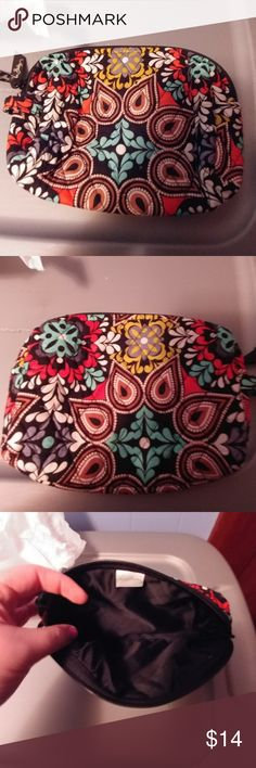 Vera Bradley Medium Zip Cosmetic Cute medium zip cosmetic from Vera Bradley! Carried once, so still in great condition! Pattern is: Sierra Brown, interior is black quilted Vera Bradley Bags Cosmetic Bags & Cases