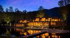 Outro hotel lindíssimo para lua de mel aqui na América do Sul é o Hacienda Vira Vira, em Pucon, no Chile. Uma fazenda com lindos quartos e cercada por paisagens incríveis. Um charme só.