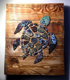 Sea Turtle - Graffiti Paint Chip Pallet Art