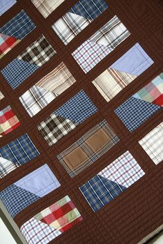 dad's shirts keepsake quilt - Cool way to recycle shirts. Would make great quilts for boys. Flannel Quilts, Plaid Quilt, Tie Quilt, Scrappy Quilts, Shirt Quilts, Patchwork Quilting, Plaid Fabric, Quilting Tips, Quilting Projects