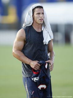 Brian flippin' Cushing. Why am I a Texans fan? Question. Answered. wish i could meet him!!! ^.^ <3