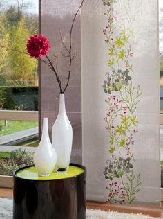 Collection LUNA. Fraicheur, légèreté, fleurs, nature, végétation, beige, vert, rouge, rideaux