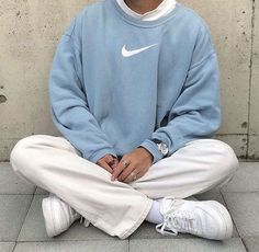 outfits with sweatpants / outfits ; outfits for school ; outfits with leggings ; outfits with air force ones ; outfits with black jeans ; outfits for school winter ; outfits with sweatpants Nike Outfits, Retro Outfits, Trendy Outfits, Vintage Outfits, Summer Outfits, Fashion Outfits, Sneaker Outfits, Fashion Ideas, Fashion Women