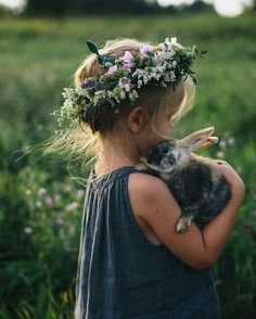 Cute little girl in a boho flower crown with bunny / children's photography Cute Kids, Cute Babies, Baby Kids, Little People, Little Girls, Foto Baby, Beltane, Kind Mode, Belle Photo