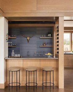 Home Bar Counter, Bar Counter Design, Kitchen Bar Design, Bar Kitchen, Home Bar Rooms, Home Bar Decor, Mini Bar Salon, Mini Bar At Home, Small Bars For Home