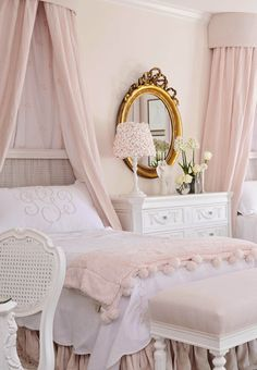 We could do the gold embroidered duvet cover and the pink linen quilt on the twin bed to get this look.