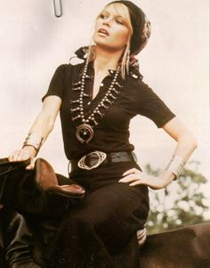 Brigitte Bardot- my style inspiration 70s Inspired Fashion, 1960s Fashion, Boho Fashion, Vintage Fashion, Travel Fashion, Mode Hippie, Hippie Man, Pantalon Elephant, Bridget Bardot