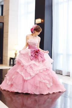Beyond Kimono: 38 Modern Kawaii Japanese Wedding Dress Inspiration Beautiful Costumes, Beautiful Gowns, Moda Lolita, Japanese Wedding, Fantasy Dress, Quinceanera Dresses, Dream Dress, Pretty Dresses, Pink Dress