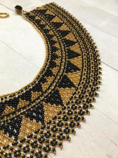 Handmade Native American collar necklace Beaded Collar, Collar Necklace, Beaded Necklace Patterns, Beaded Jewelry, Hama Beads, Seed Beads, Bohemian Accessories, Native American Beading, Beading Tutorials