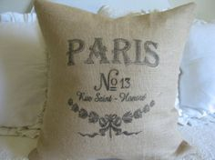 Another great tutorial on printing on Burlap. Tips that will make ALL the difference in making your DIY pillow look like it was purchased from a fancy linen shoppe. Burlap Projects, Burlap Crafts, Diy Projects To Try, Fabric Crafts, Craft Projects, Diy Crafts, Printing On Burlap, Printing On Fabric, Printed Burlap