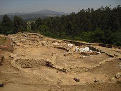 Os invitamos a pasear por el yacimiento Arqueológico del Monte do Castro. #historia #turismo  http://www.rutasconhistoria.es/loc/yacimiento-arqueologico-del-monte-do-castro