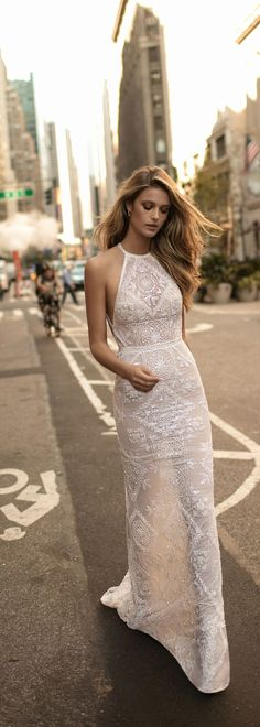 Such a cool, contemporary neckline on this @bertabridal wedding dress.