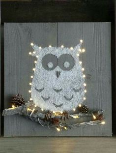 Christmas owl Christmas Wood Crafts, Christmas Owls, Christmas And New Year, All Things Christmas, Christmas Wreaths, Christmas Decorations, Holiday Decor, Burlap Crafts, Pallet Crafts