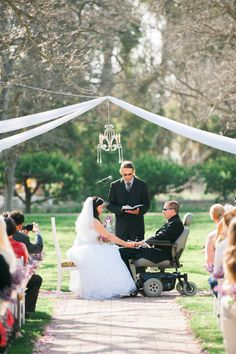 Groom battling #ALS ties the knot, must-ready story! Photography: Timon And Liz Wang, Liz Wang Photography - www.lizwangphotography.com Read More: http://www.stylemepretty.com/2014/09/02/love-in-adversity-a-real-als-story/