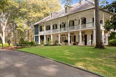 i love plantation style homes
