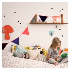 Happy Flags Peach Happy Girlande für Girls Colourful Kids Room Style and Inspiration with a Retro & Vintage Look.