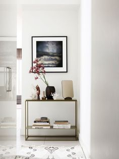 Hall House by Sisalla Interior Design. Styling by Andy Moore. Photography by Eve Wilson. Apartment Interior Design, Interior Styling, Hall House, Luxe Decor, Appartement Design, Modern Console Tables, Hall Tables, Inviting Home, Piece A Vivre