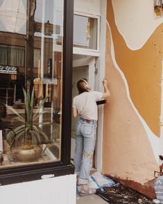Super excited to have in the shop today doing a mural for the store! Decoration Inspiration, Color Inspiration, Interior Inspiration, Wall Decor, Room Decor, My Room, Wall Murals, Mural Art, Interior And Exterior