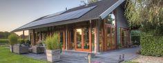 Bouwenmetstrobalen.nl - ecologisch verantwoord bouwen met strobalen kan architectuur worden Outdoor Decor, Home Decor, Decoration Home, Interior Design, Home Interior Design, Home Improvement
