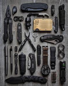 Survival Gadgets, Edc Gadgets, Survival Life Hacks, Survival Prepping, Survival Gear, Survival Skills, Bushcraft, Edc Everyday Carry, Edc Carry