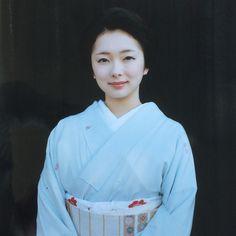 Oiran & Geisha | The geiko Toshimana casually dressed. (Taken...