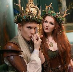 The nordic fairy/elven sooo cute, but why can't you find viking cosplay couples? Elfa, Costume Venitien, Midsummer Nights Dream, Maquillage Halloween, Renaissance Fair, Samhain, Larp, Headdress, Cosplay Costumes