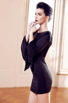 Merve Bolugur, bella actriz turca